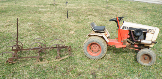 Garden Tractor with Hairs